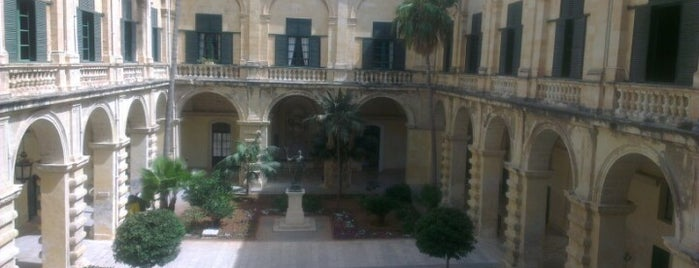 Grandmaster's Palace And Armoury is one of Malta Cultural Spots.