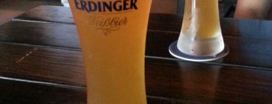 Mulligan's Irish Pub is one of Clubs.