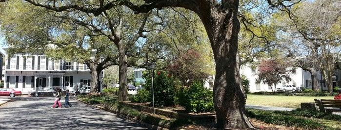 Washington Square is one of Savannah.