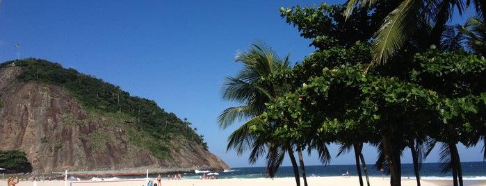 Praia do Leme is one of Lugares do Rio.