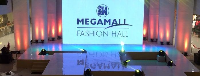 Mega Fashion Hall is one of Malls.