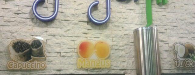 Yogurfit is one of Restaurantes Venezuela.