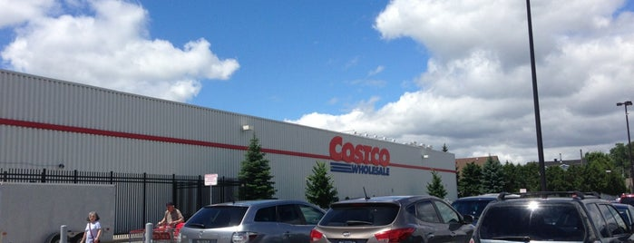 Costco Wholesale is one of Longueuil #4sqCities.