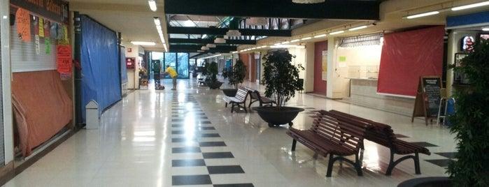Mercado De Castilla is one of av. cid.