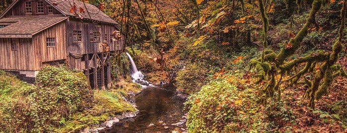 Cedar Creek Grist Mill is one of My Saved Places.