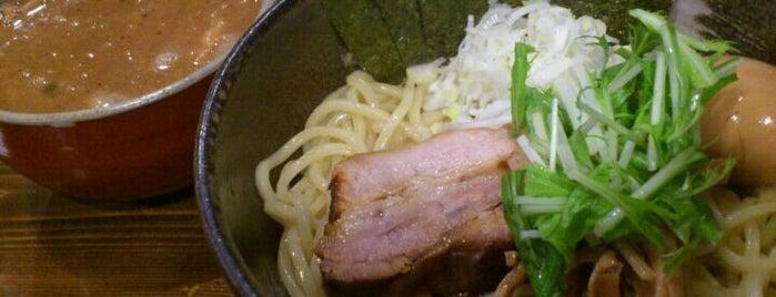 中華そば 椿 蒲田店 is one of ラーメン!拉麺!RAMEN!.