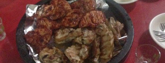 이태원 숯불바베큐 치킨 is one of Itaewon food.
