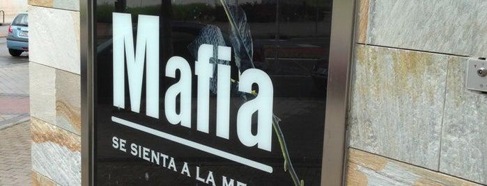 La Mafia se sienta a la Mesa is one of Tips de los oyentes.