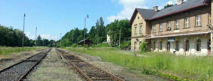 Železniční stanice Hrob is one of Železniční stanice ČR: H (3/14).