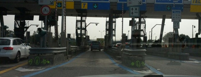 A4 - Barriera «Milano Ghisolfa» is one of A4 Autostrada Torino - Trieste.