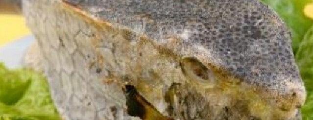 Dinar Seafood is one of Favorite Food.