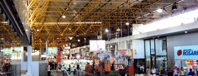 Centro Comercial Gilberto Salomão is one of Lugares....