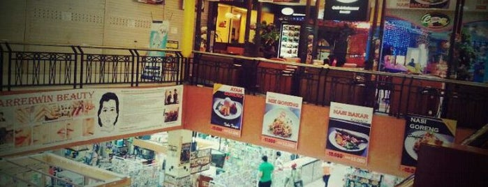 Plaza Top 100 is one of Malls in Batam.