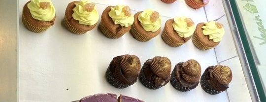 Vegan Folie's is one of Où déguster un cupcake à Paris.