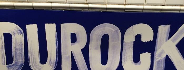 Métro Duroc [10,13] is one of Stations de metro a Paris.
