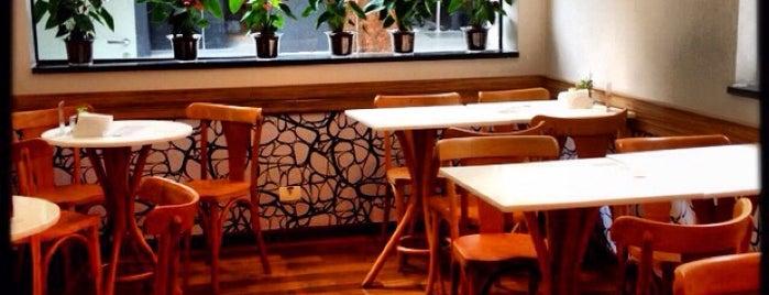 Cine Café Fellini is one of São Paulo Vegan!.