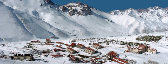 Las Leñas Centro de Ski is one of AL AIRE LIBRE!.