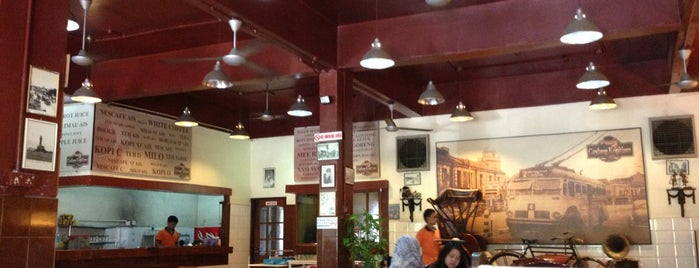 Geylang Kopitiam is one of Makan @ Shah Alam/Klang #1.