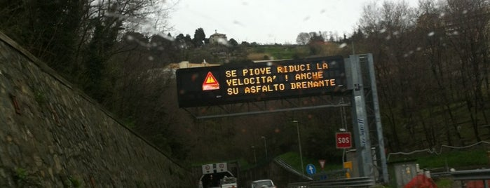 Raccordo A7 - A12 / (MI-GE) - (GE-LI) is one of A7 Milano-Genova.