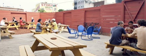 Hot Bird is one of Best Outdoor Bars.