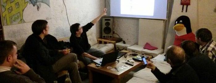 Voidwarranties is one of Hackerspaces.