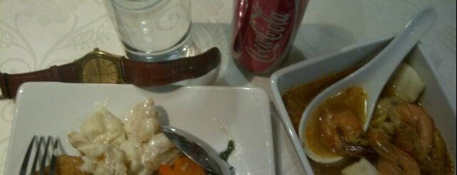 de Luna Resto & Café is one of places.