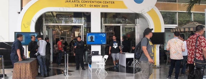 Jakarta Auto Show 2015 is one of Love Indonesia's tips.