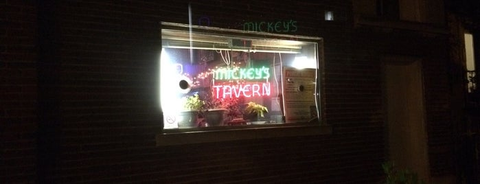 Mickey's Tavern is one of Must-visit Bars in Chicago.