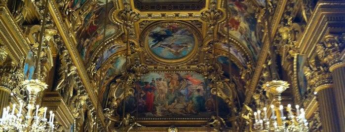 Garnier Opera is one of Déjà vu.