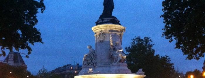 Place de la République is one of Loisirs.