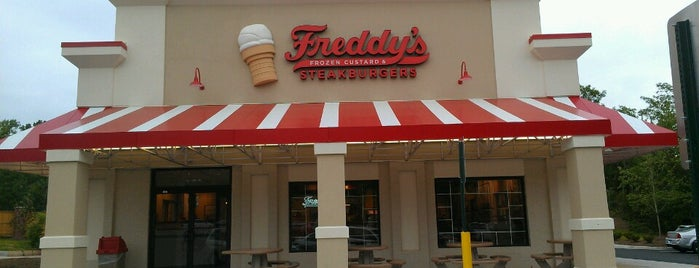 Freddy's Frozen Custard & Steakburgers is one of DC Burgers.