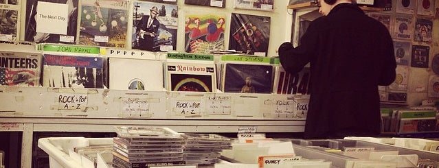 Alan's Record and CD Shop is one of Bin Flipping: Record Shops #vinyl.