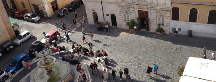 Piazza della Madonna dei Monti is one of Specials.