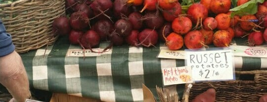 The Farmer's Market at Marin Country Mart is one of Activities in Marin.