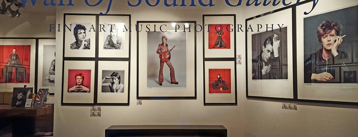 Wall Of Sound Gallery is one of Fotografia.