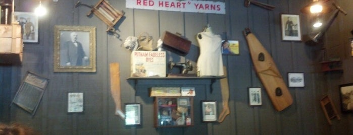 Cracker Barrel Old Country Store is one of kelly's list.