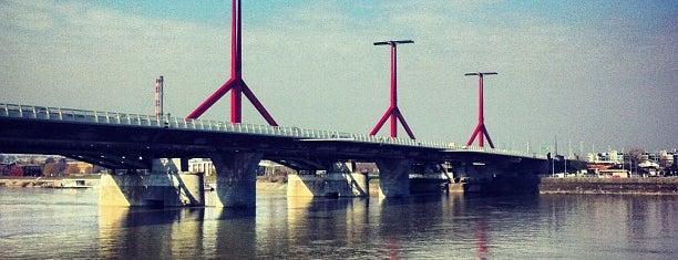 Rákóczi híd is one of 1.