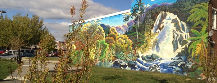 Mural Tour is one of Love The Arts In Philadelphia #visitUS.