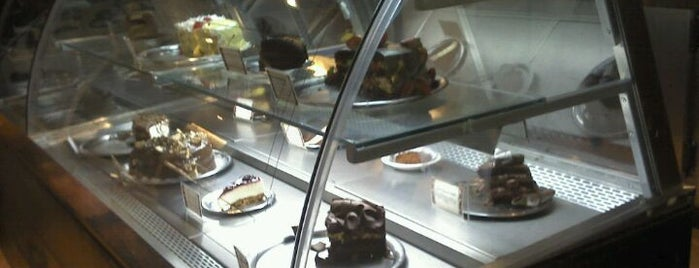 La Bohème Café is one of Onde comer em Floripa: delícias p/ o café da tarde.