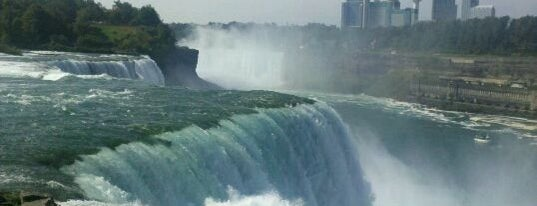 Niagara Falls State Park is one of Must see places in Buffalo for tourists #visitUS.