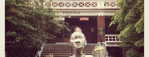 McMenamins Edgefield is one of Mt. Hood/The Gorge Can't-Miss Foodie Finds.