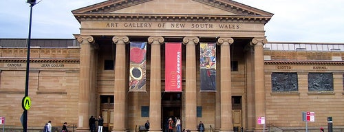 Art Gallery Of NSW is one of Top free things to do in Sydney.