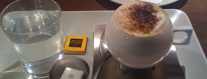 5 Sentits Café & Boutique is one of Top 10 favorites places in Andorra.