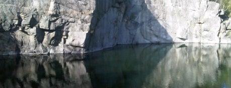 Zatopený Lom Rampa is one of Doly, lomy, jeskyně (CZ).