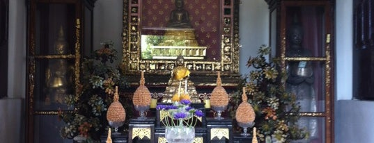 หอพระพุทธสิหิงค์ is one of Holy Places in Thailand that I've checked in!!.