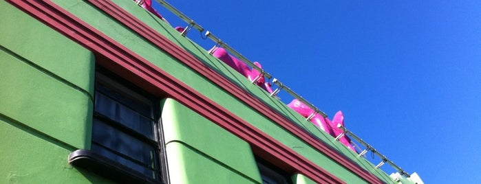 Windsor Castle Hotel is one of Snarkle's Best Beer Garden List.