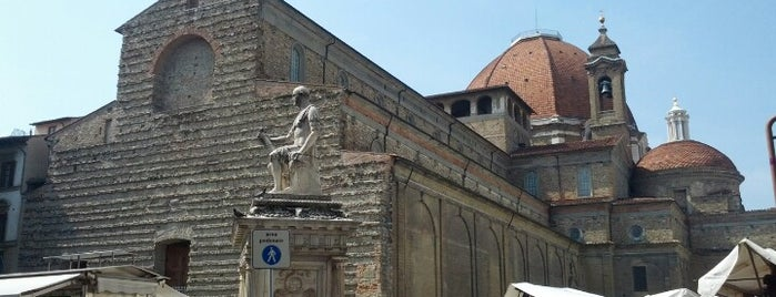 Frolicking in firenze for Piazza san lorenzo
