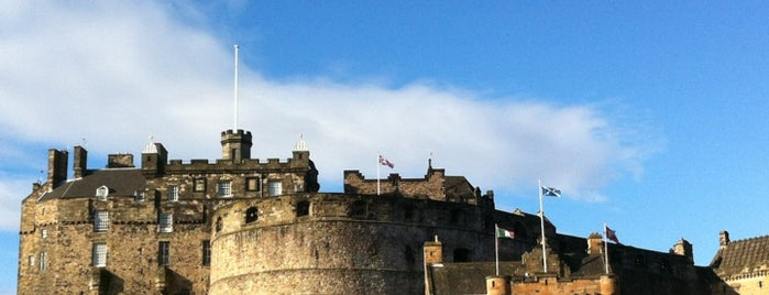 Edinburgh Castle is one of STA Travel Edinburgh Good Eats and Culture Treats.
