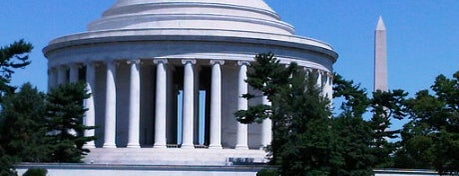 Thomas Jefferson Memorial is one of Best Places to Check out in United States Pt 5.