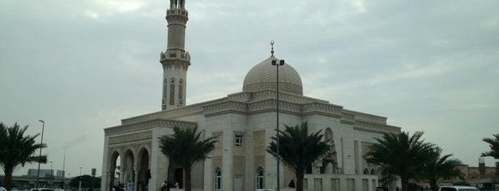 Al Fattan Mosque مسجد الفتان is one of Explore Dubai.